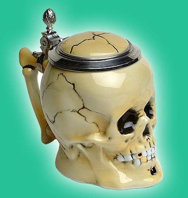 skull_stein_closed_b.jpg